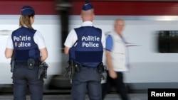 Полиция у поезда, где был задержан террорист