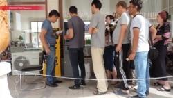 В день по $12. Как на ташкентских рынках заработали первые банкоматы Узбекистана