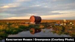 """Свалка в трех километрах от Байкаловска. В """"Гринписе"""" уверены, что мусор бросили нефтяники"""
