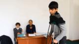 История Довуда: встал с инвалидной коляски и преподает информатику