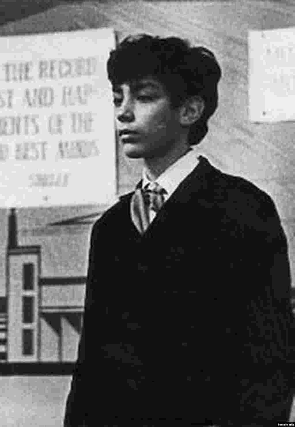 Борис Немцов окончил радио-физический факультет Горьковского Государственного Университета имени Лобачевского в 1981 году