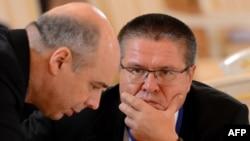 Министр финансов Антон Силуанов и глава Минэкономразвития Алексей Улюкаев (справа)