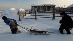 Ice For Sale: Siberian Tatars Carry On A Centuries-Old Tradition