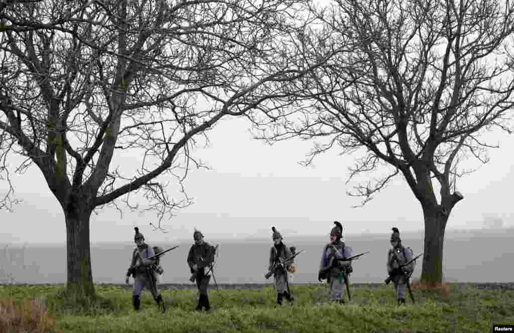 Историки несколько раз в год восстанавливают сражения из разных эпох