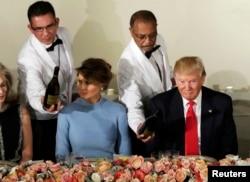 Мелания и Дональд Трамп на торжественном ужине