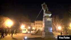 Снос памятника Рудневу в Харькове