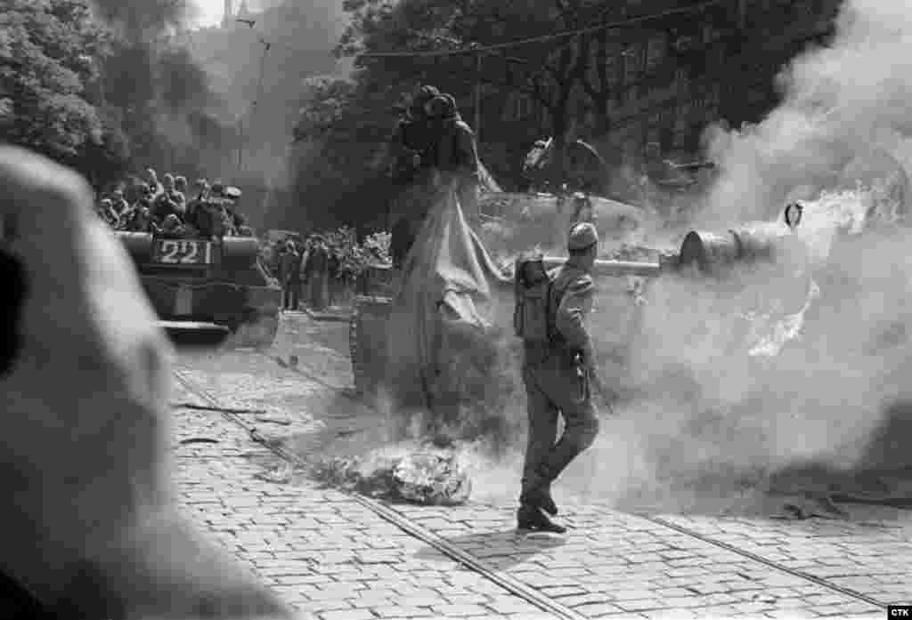 Чехословацкой армии было приказано не оказывать сопротивления