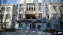 Разрушенный город Авдеевка в Донецкой области