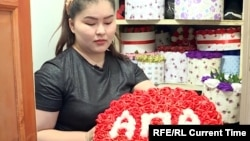 A Bishkek Florist's Generosity Blossoms Amid The Pandemic