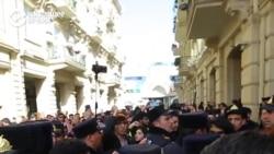 Полиция в Баку против марша за права женщин