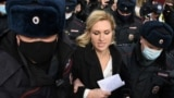 """""""У него уже есть признаки почечной недостаточности"""": врачей не пускают в колонию к Навальному"""