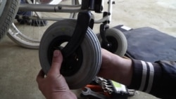 Человек на карте: колясочник из Чечни ремонтирует коляски бесплатно