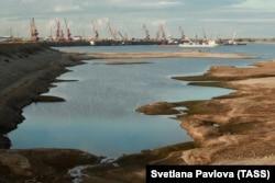 Вид на обмельчавшую реку Лену 3 сентября 2019 года. Фото: ТАСС