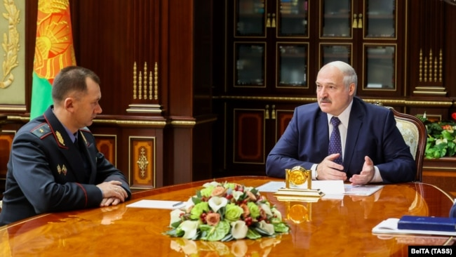 Александр Лукашенко и глава МВД Иван Кубраков