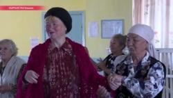 """""""Кормят, уважают нас, - этого нам хватит"""": как в Бишкеке работает центр для пожилых людей"""