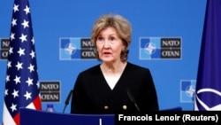 Посол США в НАТО Кей Бейли Хатчинсон