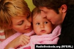 С супругой Еленой и дочерью Александрой (фотография предоставлена пресс-службой Владимира Зеленского украинской службе Радио Свобода)