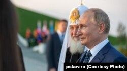 Путин и патриарх Кирилл в Самолве
