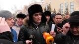 """""""За нами еще 170 тысяч владельцев машин!"""" Конфликт автовладельцев с чиновниками в Казахстане"""