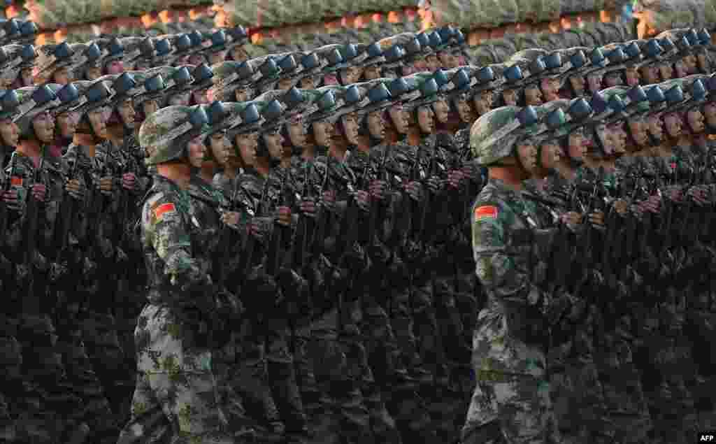 Китайские парады славятся своей синхронностью, и этот не стал исключением