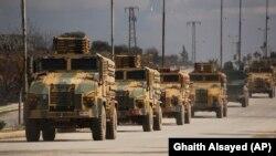 Конвой турецких военных в Идлибе. 22 февраля 2020