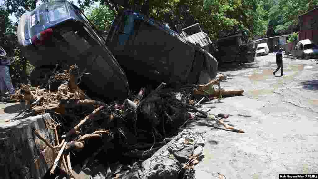 Вице-мэр Тбилиси Ираклий Леквинадзе предварительно оценил ущерб от стихии в 10 млн долларов
