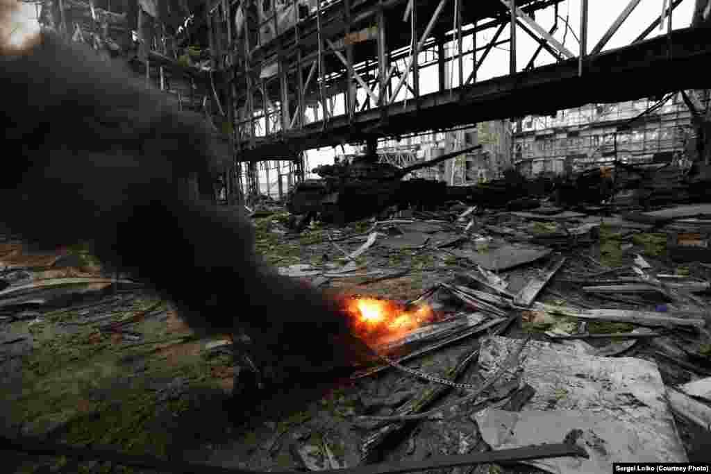Огни донецкого аэропорта. 19 октября 2014 года.