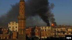 Бомбежки базы повстанцев-хути в Сане, Йемен, 11 сентября 2015 года