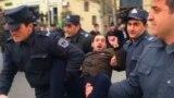 В Баку полиция задержала оппозиционеров перед акцией протеста
