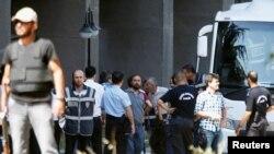 Арестованные военные, обвиненные в организации переворота