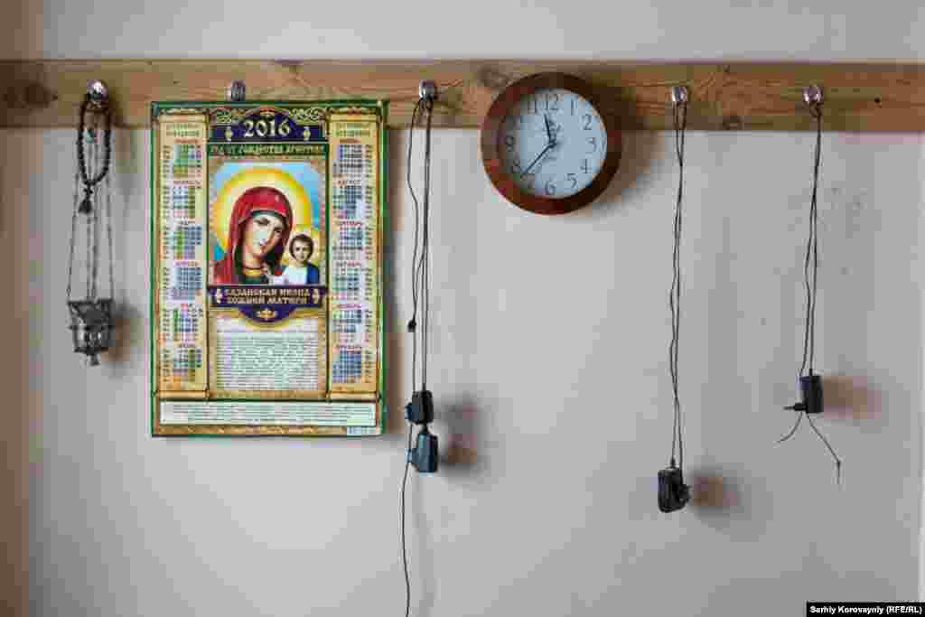 Жилую часть монастыря обитатели обустраивают как могут