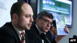 Владимир Кара-Мурза-мл. с соратником, убитым оппозиционным политиком Борисом Немцовым
