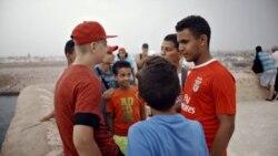 Летний хоккей: смогут ли понять друг друга юные чешские и марокканские спортсмены?