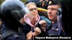 Задержание Соболь во время протестов 3 августа