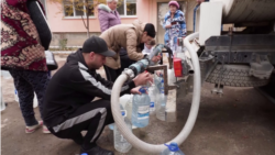 How Annexed Crimea's Residents Cope Without Drinking Water