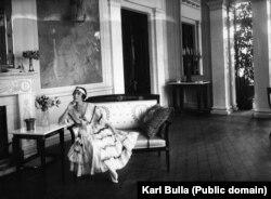 Прима-балерина Мариинского театра Матильда Кшесинская, одно время любовница тогда еще будущего императора Николая II