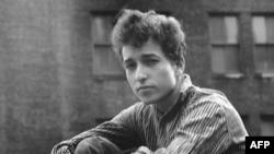 Боб Дилан: от 1960-х до наших дней в 15 фотографиях