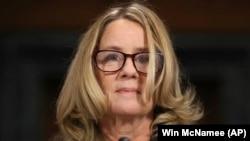 Кристин Форд дает показания в Сенате США