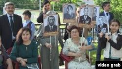 """Акция """"Бессмертный полк"""" в Душанбе 9 мая 2017 года"""