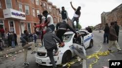 В Балтиморе массовые беспорядки