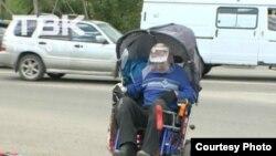 Владимир Журат на улице Тотмина в Красноярске 2 июня