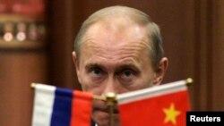 Путин на пресс-конференции во время визита в Китай в 2009 году