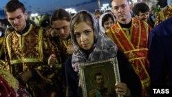 Наталья Поклонская с иконой Николая II