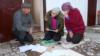 """""""Моя дочь говорит, что хочет умереть"""". Суд в Кыргызстане оправдал двух обвиняемых в изнасиловании 13-летней девочки"""