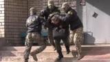 Сотрудники ФСБ задерживают подозреваемого, октябрь 2020 года. Фото: ТАСС