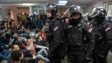 Четыре месяца протеста. Почему демонстранты захватили госТВ в Сербии