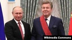 Лев Лещенко и Владимир Путин в Кремле в 2018 году