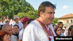 Михаил Саакашвили в украинской вышиванке, августа 2015 года