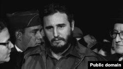 Жизнь Фиделя Кастро в фотографиях