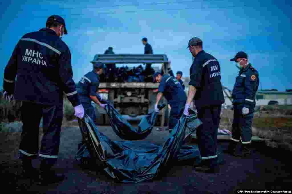 Тела погибших были отправлены родственникам, однако несколько из них до сих пор не нашли